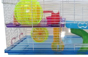 YML Plastic Hamster Enclosure