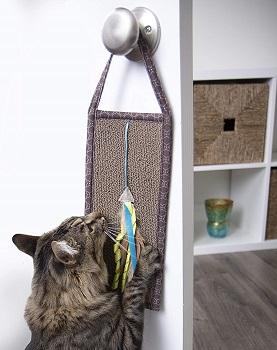 SmartyKat Hanging Scratcher review